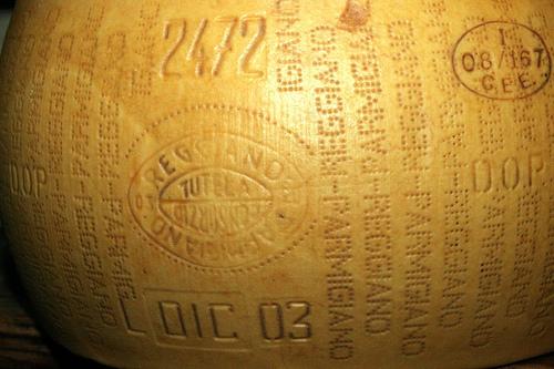 Reading a Parmigiano-Reggiano