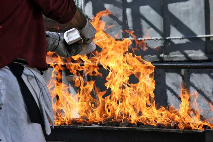 PE: BBQ DT 5 Lighter Fluid