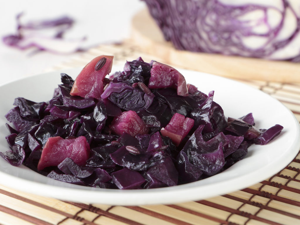 Stewed cabbage: calorie, recipes, useful properties 1