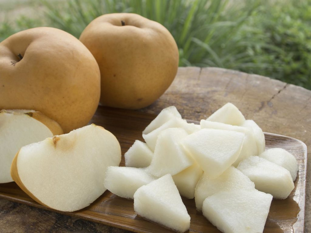 Steamed Asian Pears with Honey and Almonds - Dr. Weil