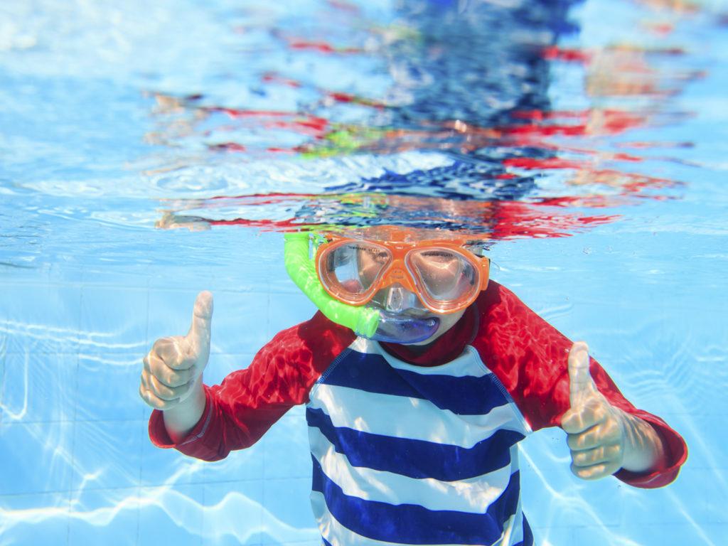 Dangers of chlorine ask dr weil - Dangers of chlorine in swimming pools ...