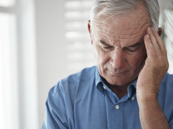 Cropped shot of a senior man suffering from a headachehttp://195.154.178.81/DATA/i_collage/pu/shoots/805516.jpg