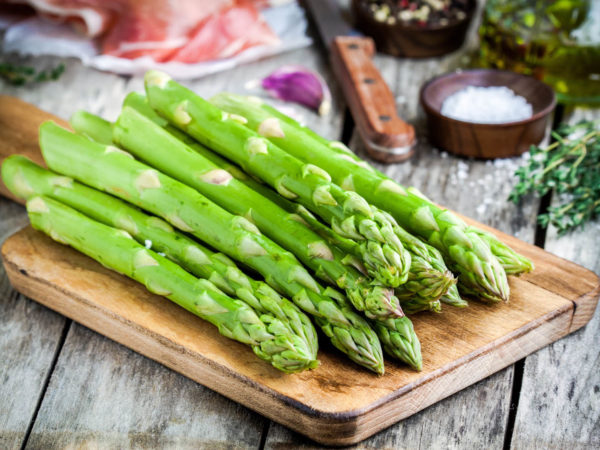 What S That Urine Smell From Asparagus Ask Dr Weil
