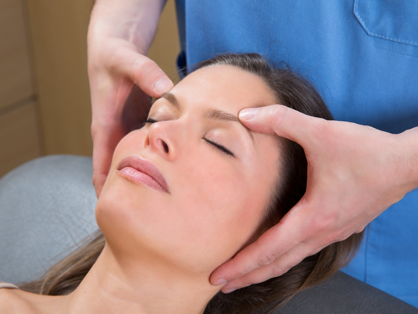 Cranial Therapy: Healing Hands on Your Head? - DrWeil.com