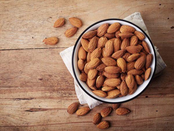 almonds to improve cholesterol