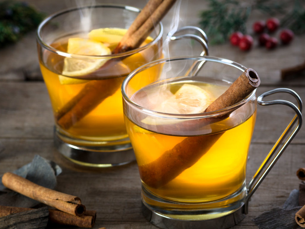 Keep Calorie Counts Down With These 4 Healthier Holiday Drink Options