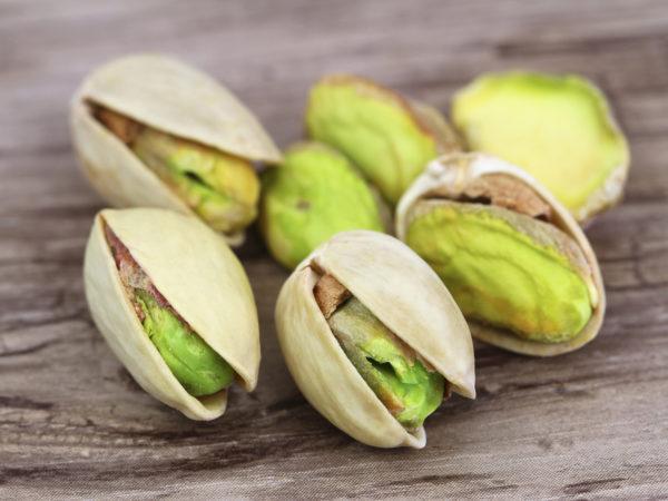 healthy snack pistachios