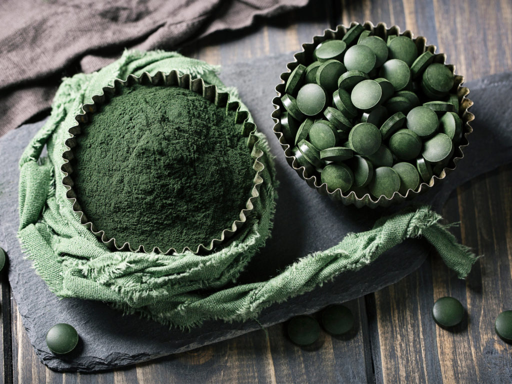 how to make spirulina blue