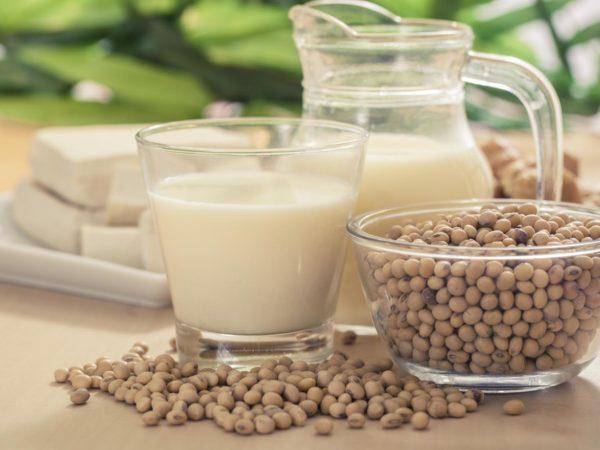 Choosing Healthy Soymilk