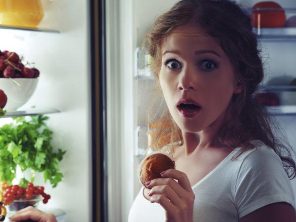 Eating Before Bedtime? 2 Reasons To Break That Habit