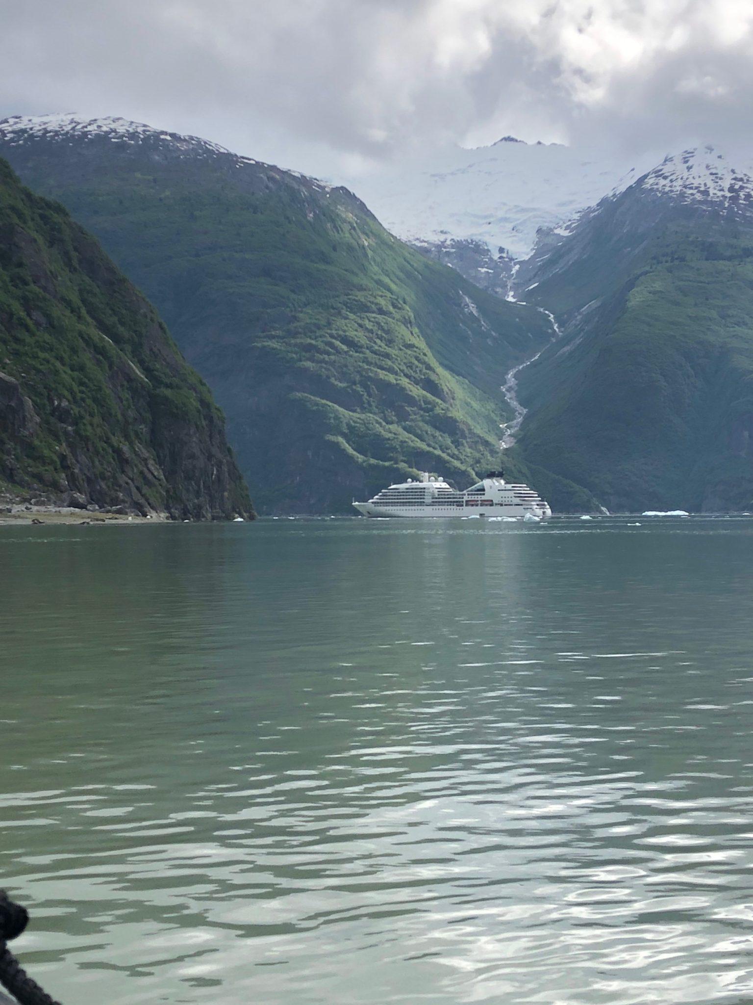 14 kayaking_tracyfjord_alaska_seabourn_JUN2018