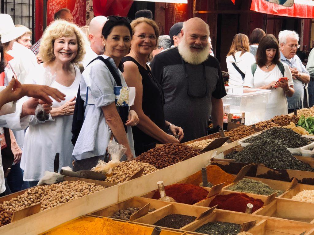 22 Betty Ann Deb Chiasson AW spices siracusa market_20181012_