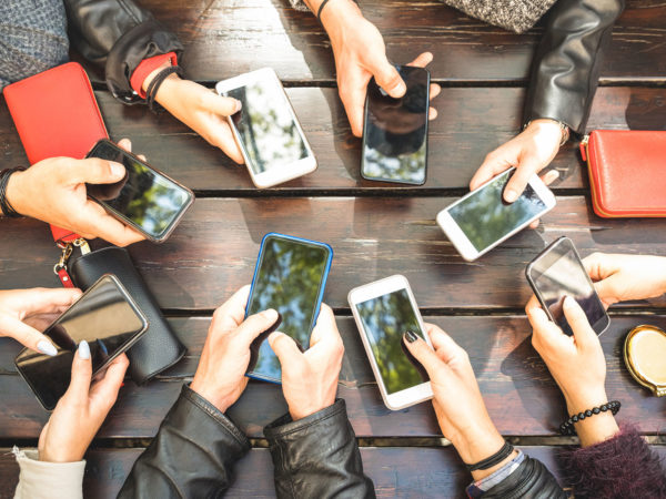 Downside Of Smartphone Use | Weekly Bulletins | Andrew Weil, M.D.