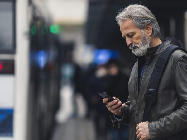 Smartphone Use & Posture | Weekly Bulletins | Andrew Weil, M.D.